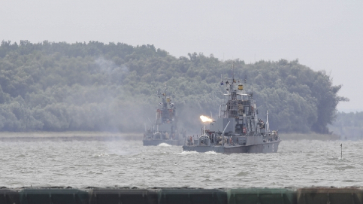 O blindată a Armatei române s-a scufundat în Dunăre, în timpul unui exerciţiu militar
