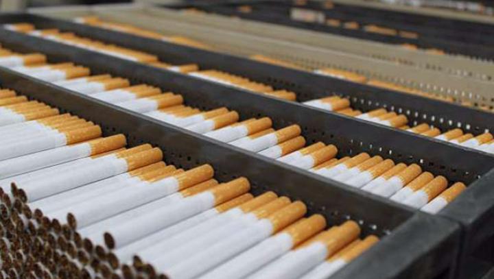 Afacerile clanului Patron din Moldova în România. Cum au transportat o fabrică de țigări ilegală în România (VIDEO)