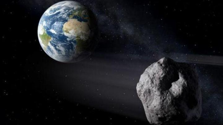 Un asteroid va trece la o distanţă mică de Pământ. El are mărimea unei case