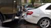 Accident în Centrul Capitalei. Un camion a facut zob  un Mercedes