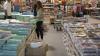 FORFOTĂ în magazine, pieţe şi târguri, în ajun de 1 septembrie. Uniformele şcolare, la mare căutare