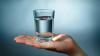 Cum să-ți îndeplinești dorințele cu ajutorul unui pahar de apă