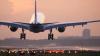 BĂTAIE pe pista aeroportului: Mai mulţi pasageri scoşi din avion (VIDEO)