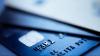 Tot mai mulţi moldoveni efectuează plăţi cu cardul bancar