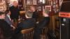 ÎNTÂMPLARE REALĂ. Şapte preoţi au intrat într-un bar, vezi ce replică a avut barmenul pentru ei