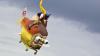 Cea mai ciudată competiţie: 27 de echipaje au încercat să zboare pe deasupra unei ape cu aparate de zbor improvizate