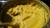 Miros îmbietor la Lozova! Mămăligă enormă din care a mâncat tot satul, friptură și brânză de oi: E atât de gustoasă