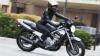 Caz neobișnuit! A băgat motocicleta defectată într-un microbuz pentru că se defectase. Ce a urmat i-a şocat (VIDEO)
