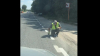 De râs şi de plâns! La Bălţi, marcajul rutier este aplicat cu trafaletul (VIDEO)