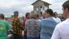Scandal în satul Prajila. Peste 800 de oameni nu şi-au primit banii pe arenda terenurilor