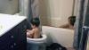 Și-a lăsat copiii în baie pentru câteva minute. Ce a descoperit la întoarcere îl va amuza pe orice părinte