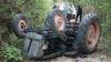 Tragedie MORTALĂ. Un bărbat a fost găsit fără suflare, după ce a fost strivit de propriul tractor (VIDEO)