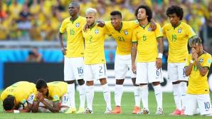 Fotbaliştii brazilieni se distrează înaintea meciurilor. Au jucat tenis de masă cu mingea de fotbal