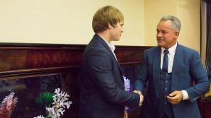 """Vlad Plahotniuc s-a întâlnit cu sportivul Eugen Matveiciuc. """"Mă bucur că în țara noastră sunt asemenea tineri ambițioși și talentați"""""""
