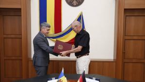 """Alexandru Jizdan a semnat un acord de colaborare între MAI și Societatea Filantropică """"Pro Humanitate"""""""