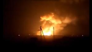 INCENDIU PUTERNIC la o uzină din Donețk, după ce depozitele cu deșeuri chimice au luat foc