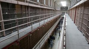 Au evadat din închisoare folosind unt de arahide. 12 deținuți au fugit Alabama