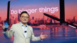 Liderul Samsung vorbeşte despre motivele pentru care compania a inclus o baterie mai mică pentru Galaxy Note 8