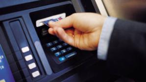 Cardul bancar, tot mai popular printre moldoveni. La sfârşitul lunii iunie erau înregistrate peste 1,6 milioane de carduri