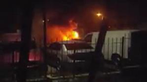 Ghinion pentru un şofer: Automobilul lui a fost incendiat, în această dimineaţă