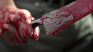 Două femei înjunghiate de un bărbat ÎN PLINĂ STRADĂ în România