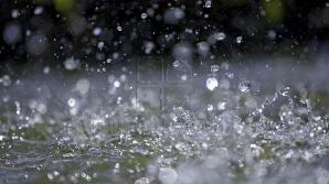 Ploi și vânt puternic mâine în toată țara. Ce temperaturi vor indica termometrele