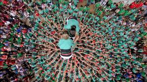 Competiție inedită în Catalonia. Sute de oameni au creat turnuri umane sub privirile a mii de spectatori