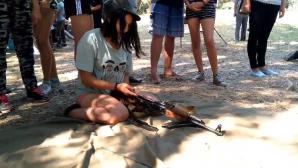 Într-o tabără din Transnistria, 160 de copii au învăţat tehnici de luptă şi de mânuire a armelor