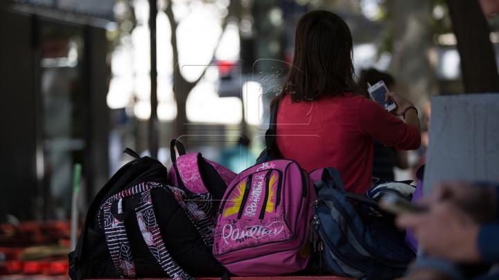 Cele mai ieftine secțiune specială drăguț ieftin O școală privată din SUA vinde ghiozdane antiglonț | PUBLIKA .MD ...