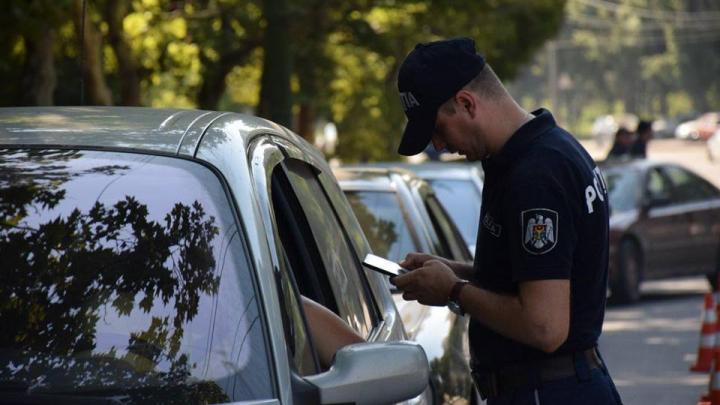 Verificări în trafic efectuate de ofițerii Inspectoratului Național de Patrulare. Câți șoferi au fost sanționați de către polițiști