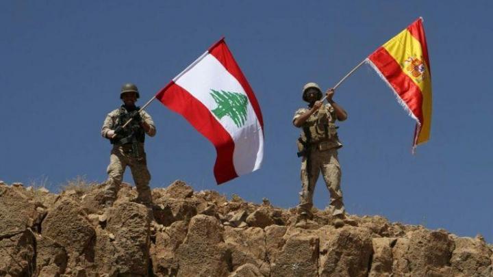 Gest de solidaritate. Soldații libanezi au ridicat drapelul Spaniei pe un deal eliberat de sub controlul jihadiştilor