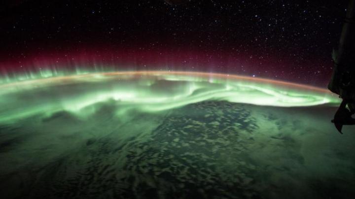 FASCINANT! Aurora boreală văzută de la o altitudine de 400 de kilometri (VIDEO)