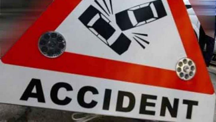 Accident rutier GRAV: șase persoane au fost transportate la spital
