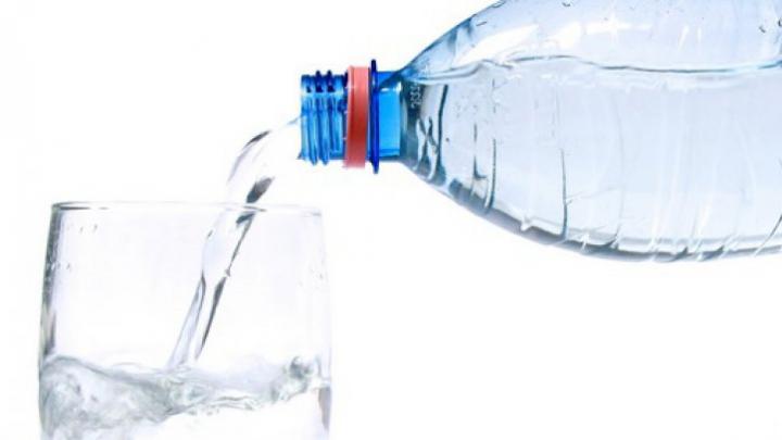 Câtă apă trebuie să bei pe zi, în funție de greutatea pe care o ai