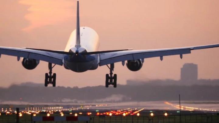 Secretul avioanelor. Care sunt butoanele ascunse care ar putea salva viața în timpul zborului