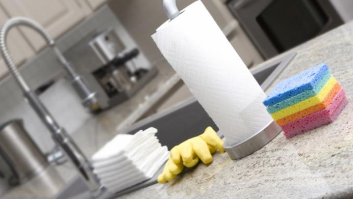 Cât de des îți schimbi buretele de bucătărie? Vei rămâne uimit câți microbi sunt în el