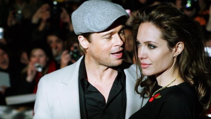 S-au împăcat? Angelina Jolie a suspendat divorţul de Brad Pitt