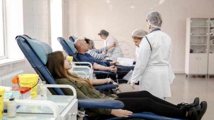 APROBAT: Pachetul alimentar pentru donatorii de sânge va fi mai bogat şi va include produse sănătoase