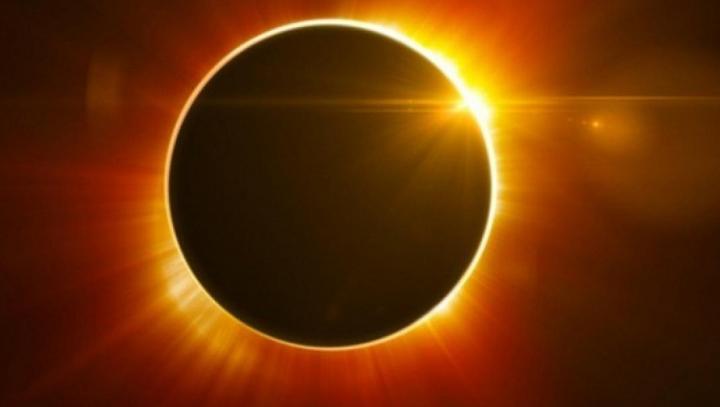 Două femei au murit în timp ce urmăreau eclipsa solară