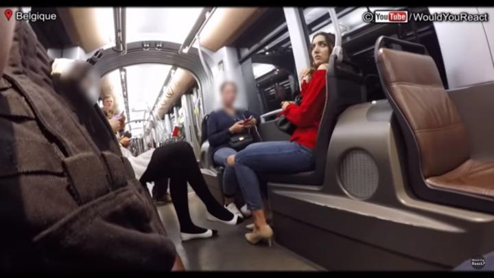 NO COMMENT: Cum reacţionează bărbaţii atunci când o femeie este HĂRŢUITĂ în public (VIDEO)