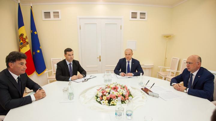 Întrevedere promițătoare: Premierul Pavel Filip s-a întâlnit cu Secretarul General al IRU, Umberto de Pretto