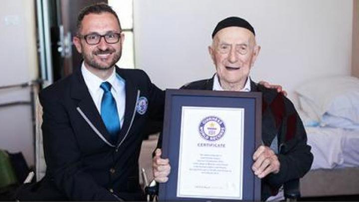 A murit cel mai bătrân bărbat de pe planetă, la vârsta de 113 ani
