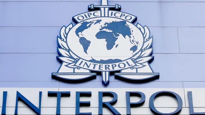 INTERPOL: Mii de vaccinuri anti-COVID-19 false, confiscate în Africa de Sud şi în China