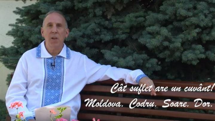 """""""Cât suflet are un cuvânt"""" Îmbrăcat în ie naţională, ambasadorul SUA la Chişinău James Pettit recită o poezie în Limba Română (VIDEO)"""