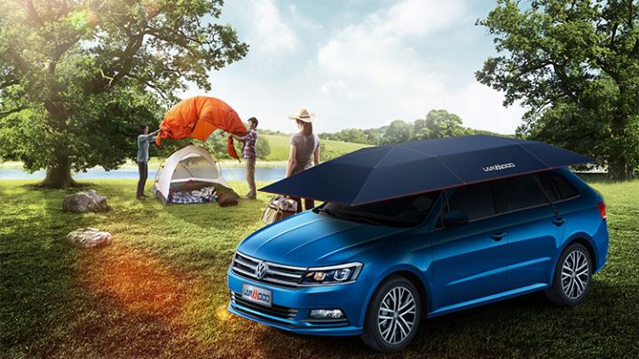 O firmă a lansat o umbrelă specială pentru a proteja automobilele