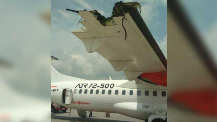 Incident pe un aeroport din Indonezia. Două avioane s-au ciocnit violent