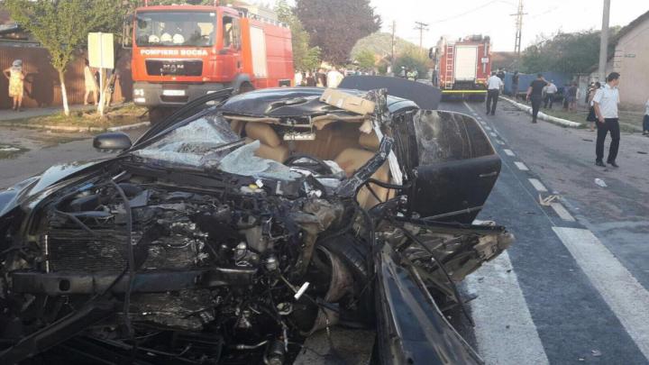 Accident GRAV în România. O persoană a murit și alte cinci au fost rănite