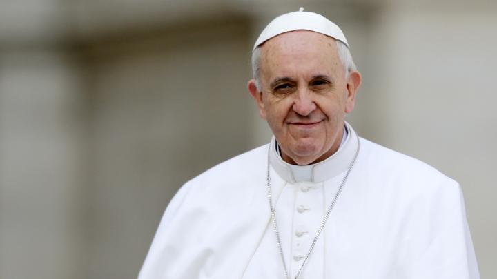 Papa Francisc a acceptat invitația de fi membru de onoare al Academiei Române