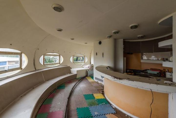 """Imagini înfricoșătoare din """"casele extraterestre"""". Mulți voiau să locuiască în ele (FOTO)"""