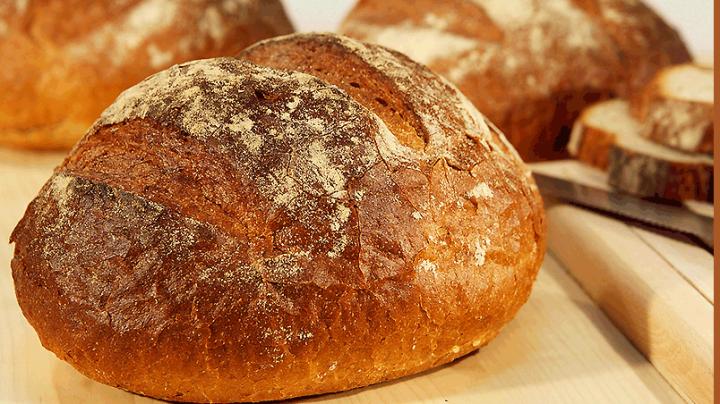 Este cel mai tare truc! Cum putem menține pâinea proaspătă